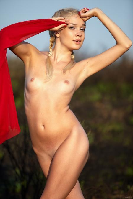 EroticBeauty: Aljena*A - Red Cape1 (21*05*2014)