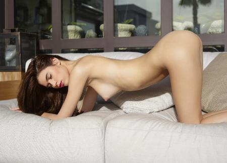 Hegre-Art: Victoria*R - Naked Lounging (28*05*2014)
