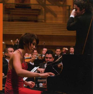 Yuja Wang (piano) - Rachmaninov No.3, Prokofiev No.2 (Simon Bolivar Symphony Orchestra of Venezuela, Gustavo Dudamel) / 2013 DG